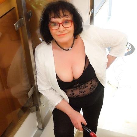 Madlen - 66  jährige reife Lust, München